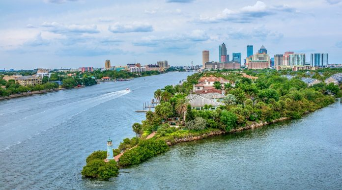Guide about Moving to Florida